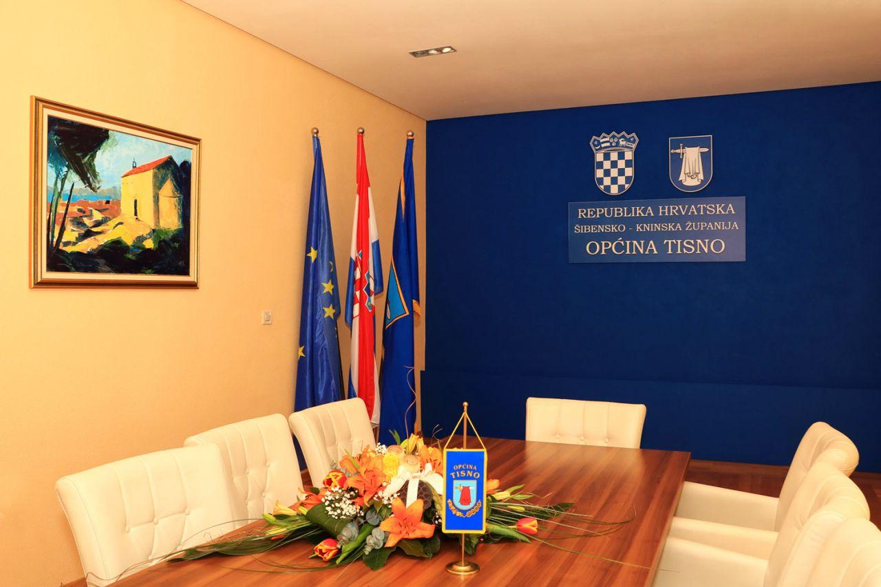 LokalnaHrvatska.hr Tisno JAVNI  POZIV za prikupljanje zamolbi za dodjelu sredstava za sufinanciranje troskova prijevoza ucenika srednjih skola za skolsku godinu 2017/2018