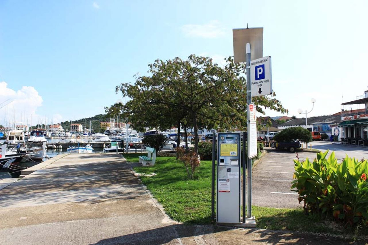 LokalnaHrvatska.hr Tisno Jezinac d.o.o. – Obavijest o pocetku naplate parkinga na podrucju Opcine Tisno